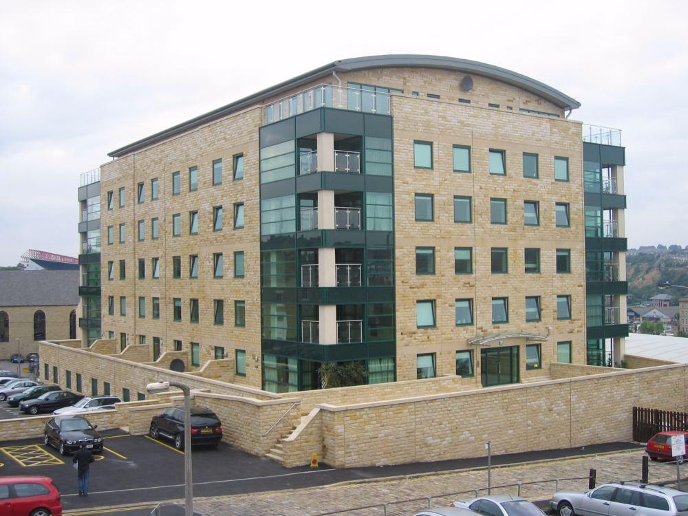 2 Bedrooms Apartment Flat for sale in Stonegate House, Bradford, BD1