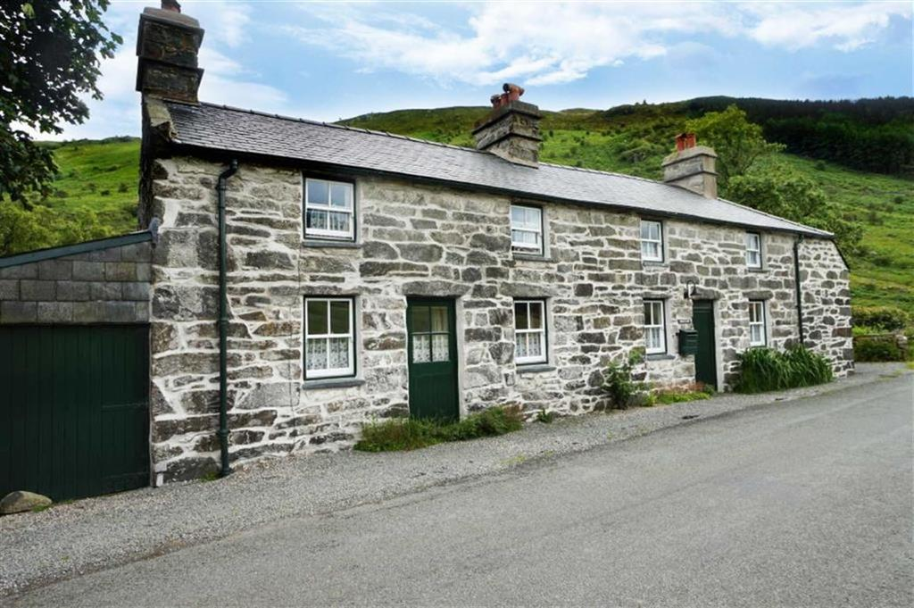 4 Bedrooms Detached House for sale in Cwm Penmachno, Betws Y Coed