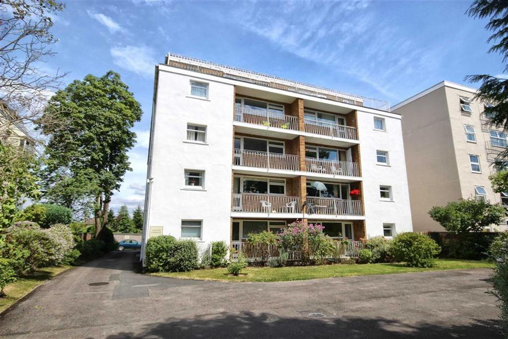 3 Bedrooms Flat for sale in Pittville Circus Road, Pittville, Cheltenham, GL52
