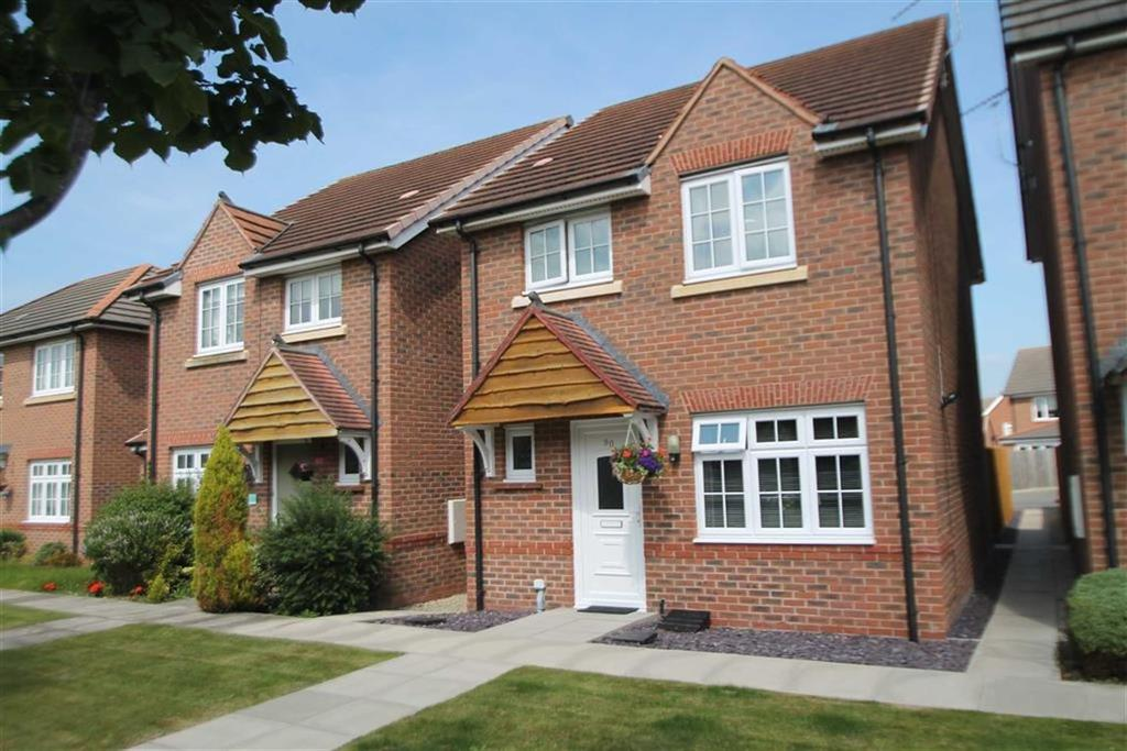 2 Bedrooms Detached House for sale in Lambourne Court, Gwersyllt, Wrexham