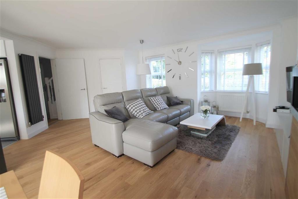 3 Bedrooms Semi Detached House for sale in Trem Y Llyn, Wrexham, Wrexham