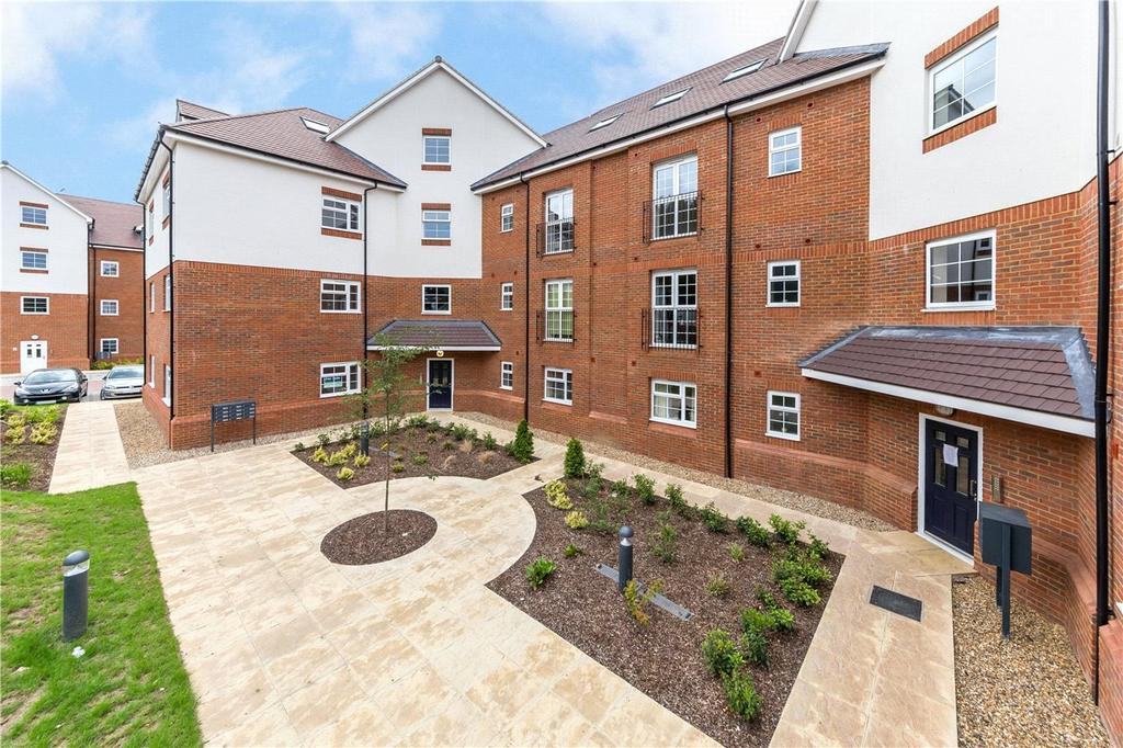 2 Bedrooms Flat for sale in Millstone Way, Harpenden, Hertfordshire