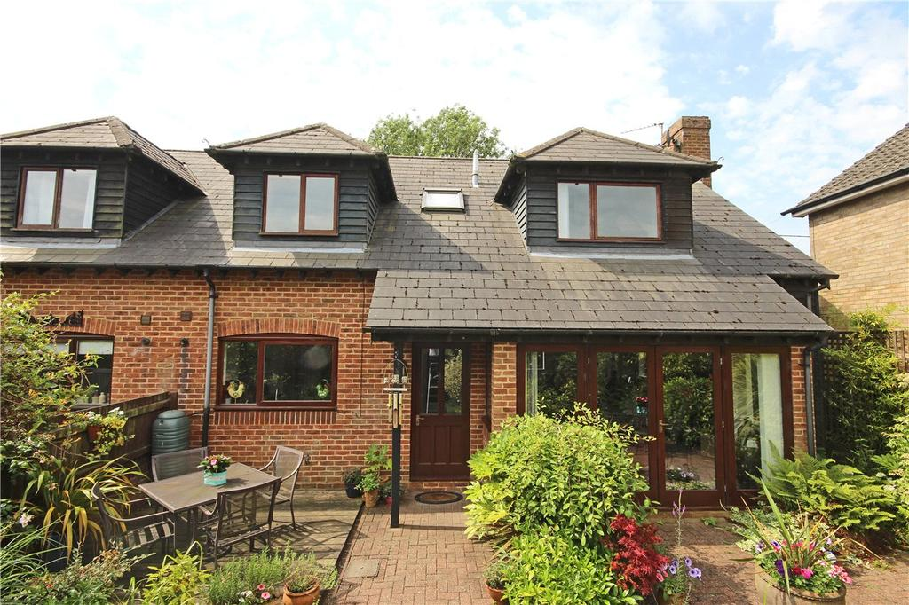 4 Bedrooms Semi Detached House for sale in Grove Place, Kensworth, Dunstable, Bedfordshire