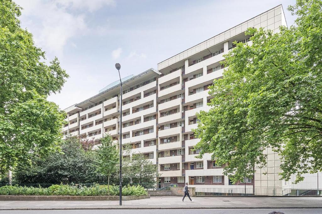 2 Bedrooms Flat for sale in Hallfield Estate, Bayswater