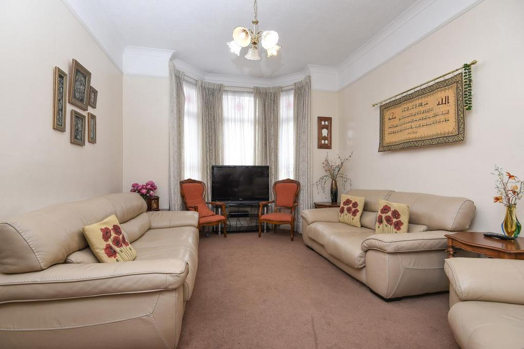 5 Bedrooms Terraced House for sale in Gaskarth Road, Clapham