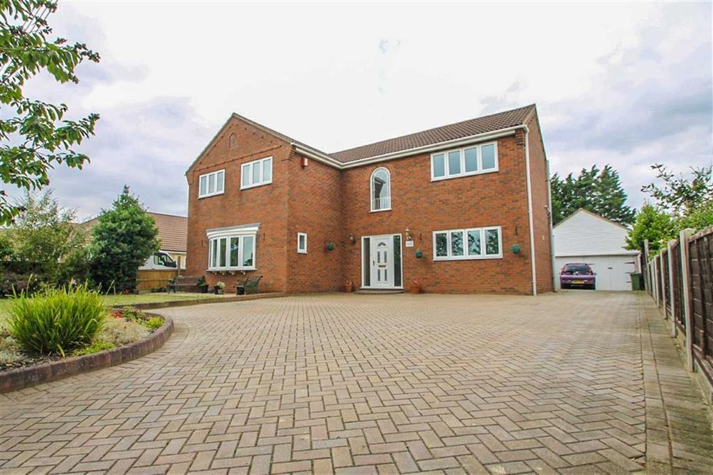5 Bedrooms Detached House for sale in St Johns Road, Clacton-on-Sea