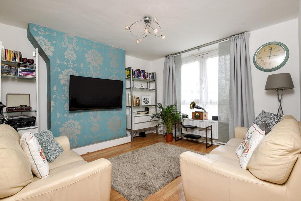 3 Bedrooms Flat for sale in Orb Street, Walworth, SE17