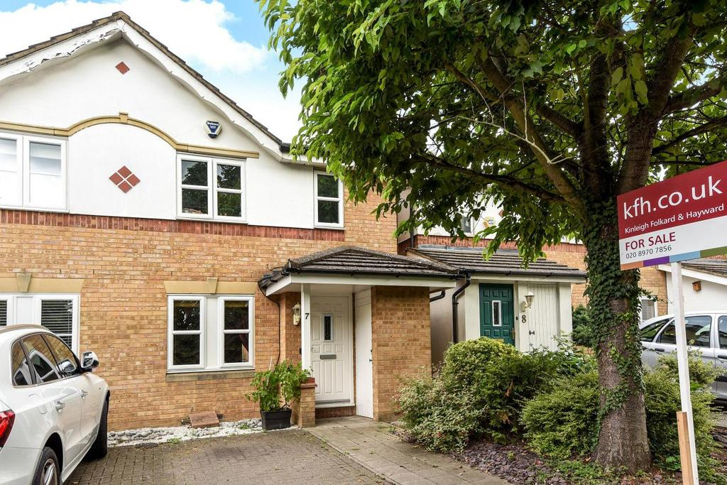 3 Bedrooms Semi Detached House for sale in Winterburn Close, Friern Barnet