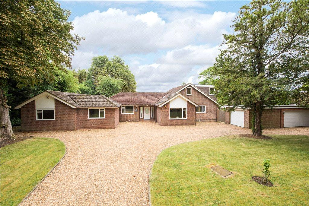 6 Bedrooms Detached House for sale in Westfield Road, Oakley, Bedford, Bedfordshire