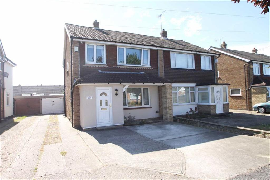 3 Bedrooms Semi Detached House for sale in Thorpe Road, Great Clacton