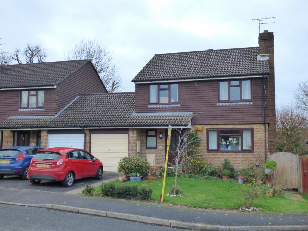 4 Bedrooms House for sale in Golden Hill, Burgess Hill, RH15