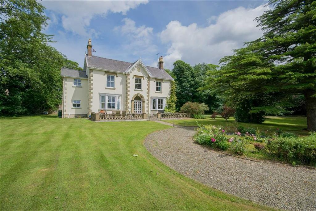 7 Bedrooms Detached House for sale in Crossways Road, Caerwys, Mold