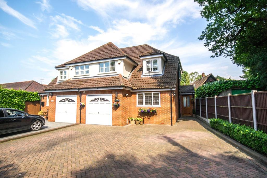 4 Bedrooms Semi Detached House for sale in Kingsley Road, Hutton, Brentwood, Essex, CM13