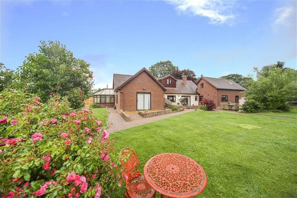 5 Bedrooms Detached House for sale in Shrewsbury Road, Craven Arms