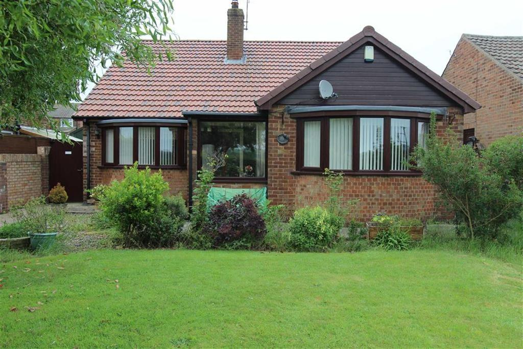 3 Bedrooms Detached Bungalow for sale in High Street, Bempton, YO15