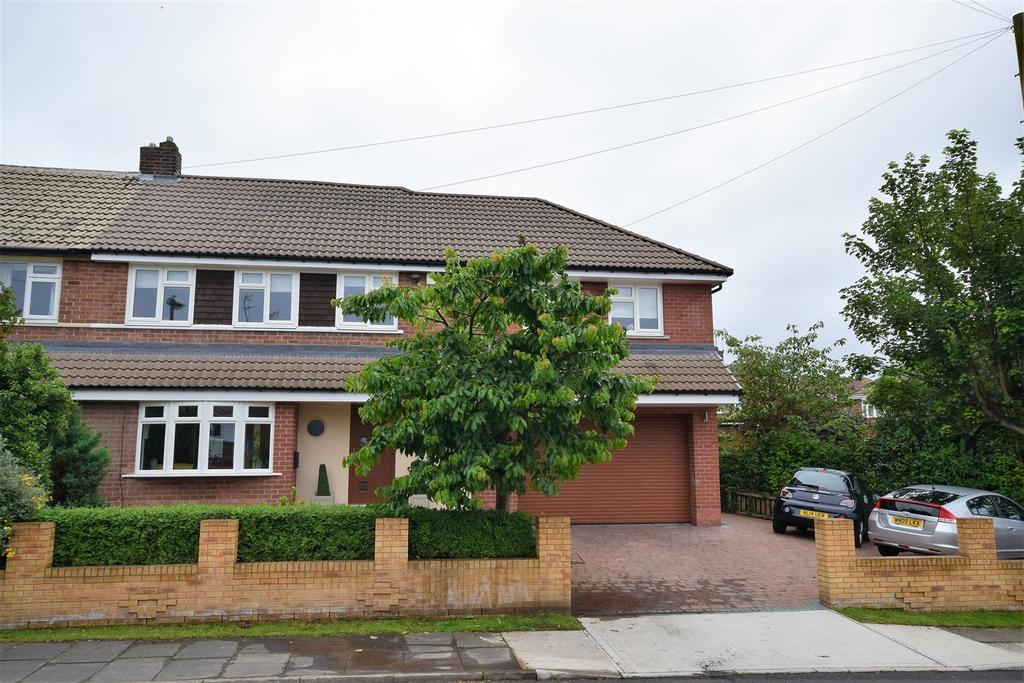 4 Bedrooms Semi Detached House for sale in Loughborough Avenue, Tunstall, Sunderland