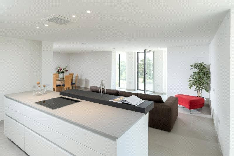 2 Bedrooms Flat for sale in Apartment 7, Charters, 43 Upper Oldfield Park, Bath, BA2