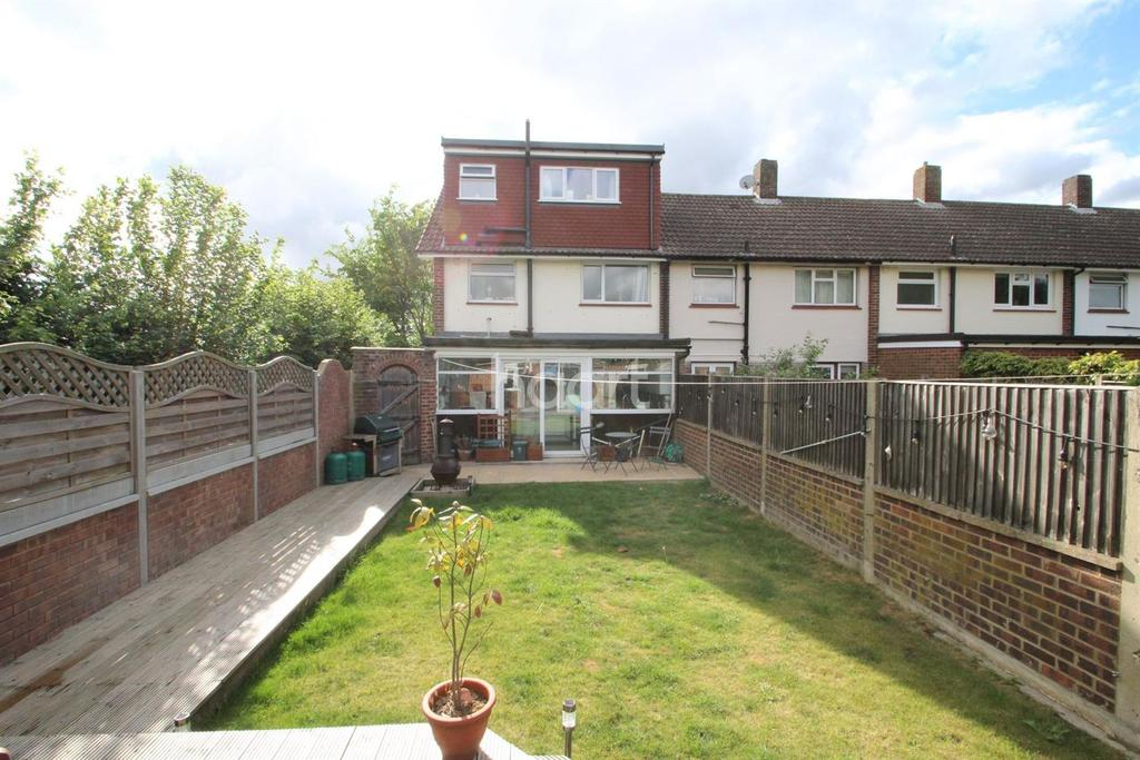 3 Bedrooms End Of Terrace House for sale in Littleton Road