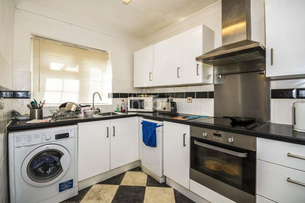 4 Bedrooms End Of Terrace House for sale in Devonshire Road, Sutton, SM2