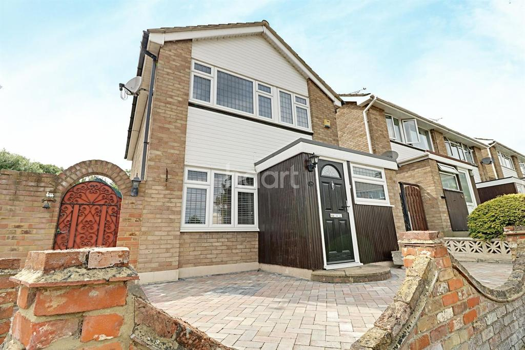 3 Bedrooms Detached House for sale in Weir Farm Road, Rayleigh
