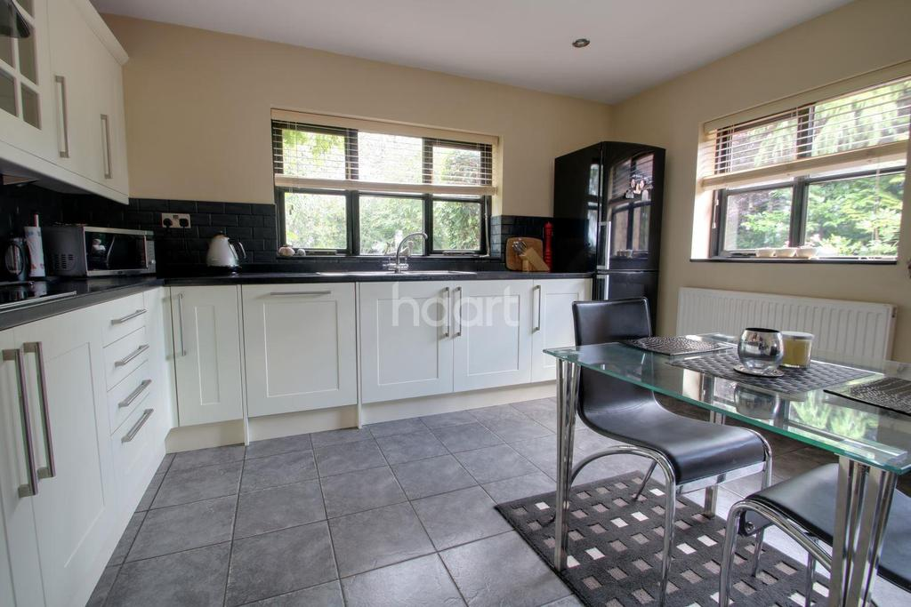 4 Bedrooms Detached House for sale in The Bank, Parson Drove