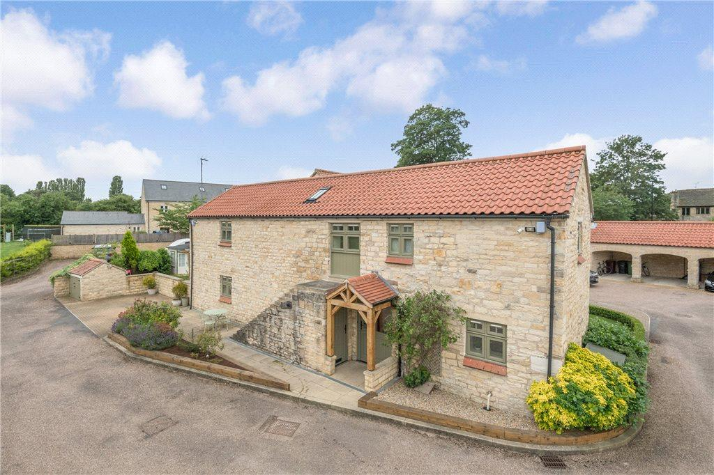 3 Bedrooms Unique Property for sale in Farm Close, Walton, Wetherby, West Yorkshire
