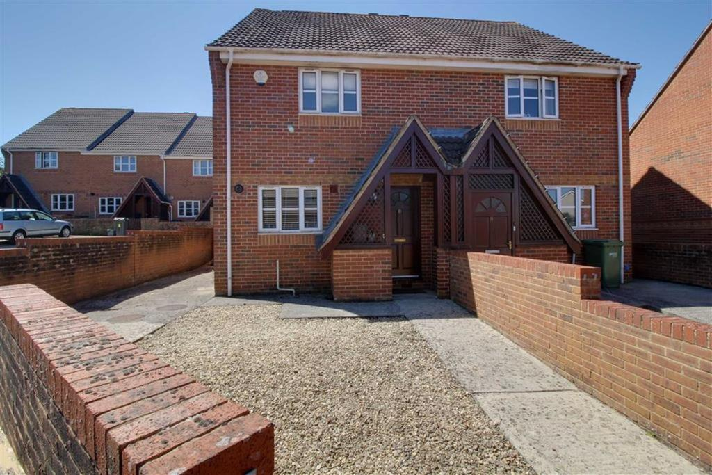2 Bedrooms Semi Detached House for sale in Cedar Gardens, Stonehouse, Gloucestershire