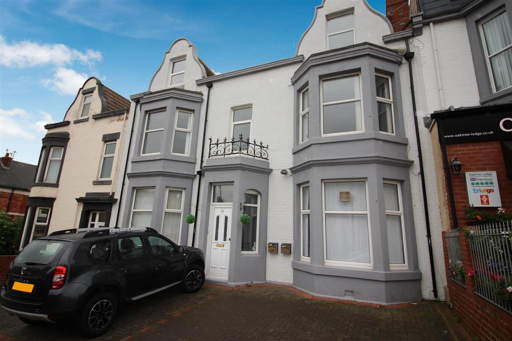 7 Bedrooms Terraced House for sale in Esplanade, Whitley Bay