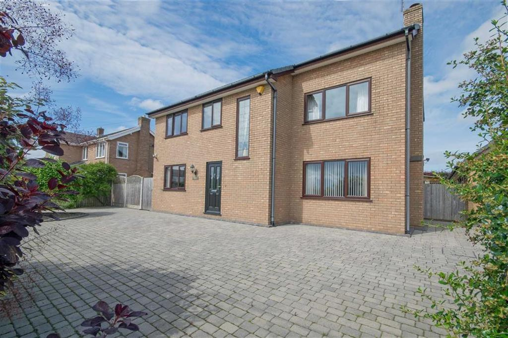 4 Bedrooms Detached House for sale in Bannel Lane, Buckley