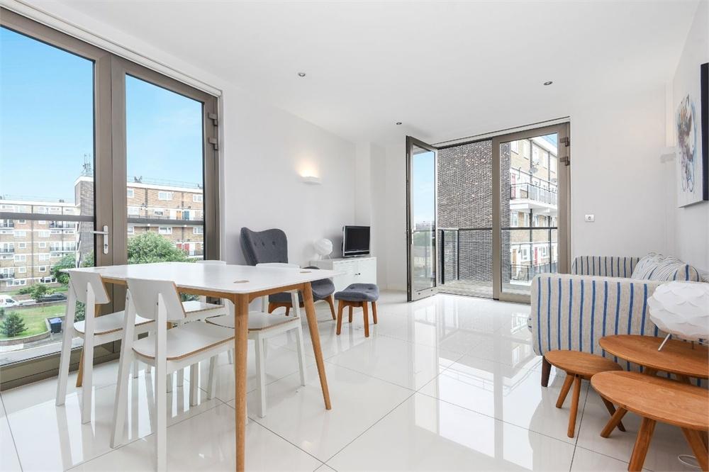 2 Bedrooms Flat for sale in Haven Way, London Bridge, SE1