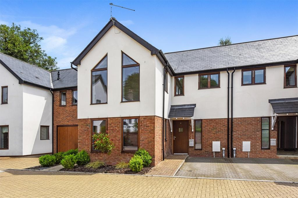 3 Bedrooms Semi Detached House for sale in St Margarets Mews, Four Marks