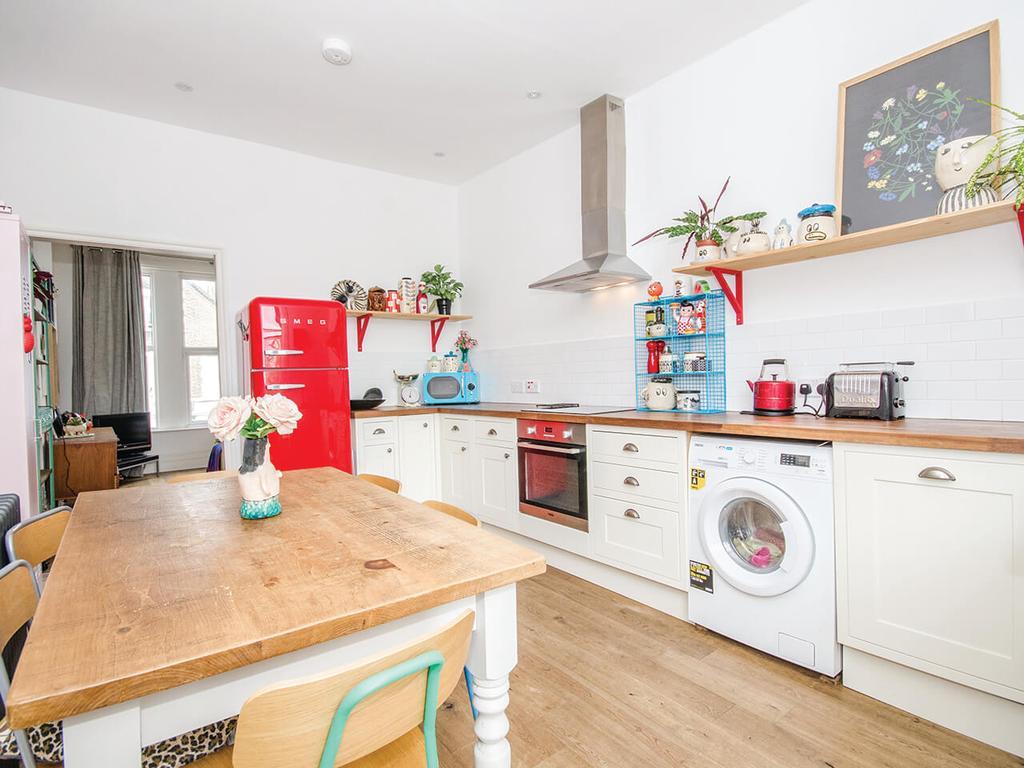 3 Bedrooms Apartment Flat for sale in Ella Road, N8