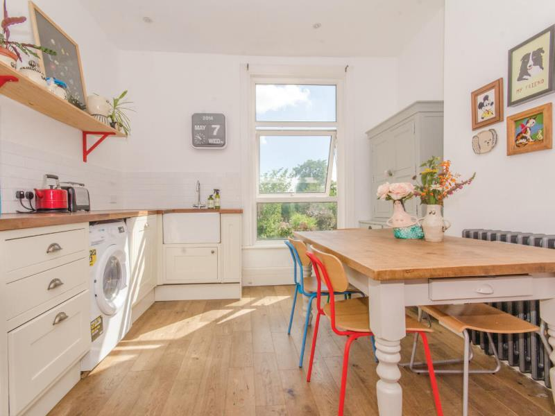 3 Bedrooms Flat for sale in Ella Road, N8