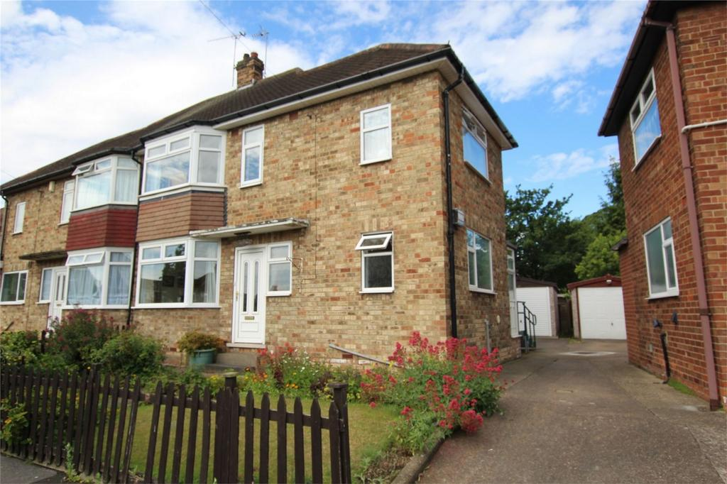 3 Bedrooms Semi Detached House for sale in Queensway, Cottingham, East Riding of Yorkshire