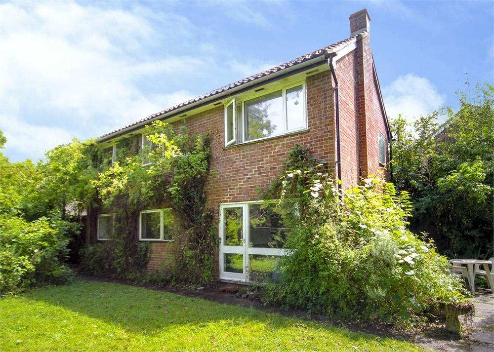4 Bedrooms Detached House for sale in Burnham Grove, Bracknell, Berkshire