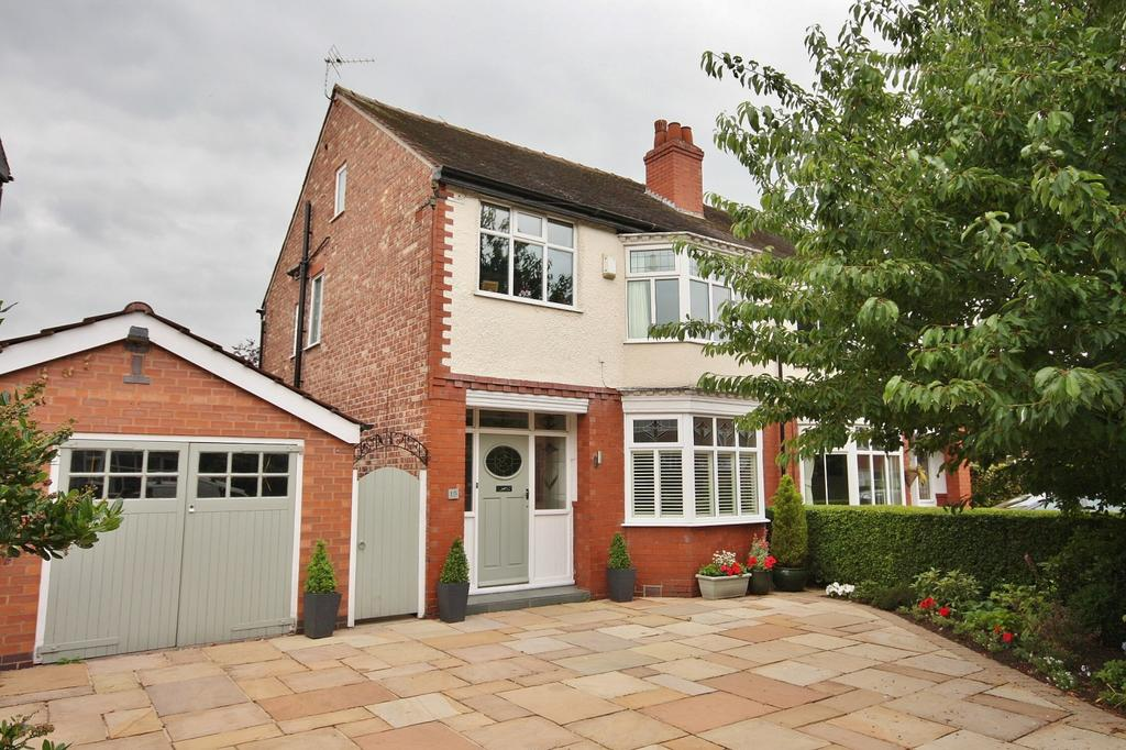 3 Bedrooms Semi Detached House for sale in Hawthorn Avenue, Wilmslow