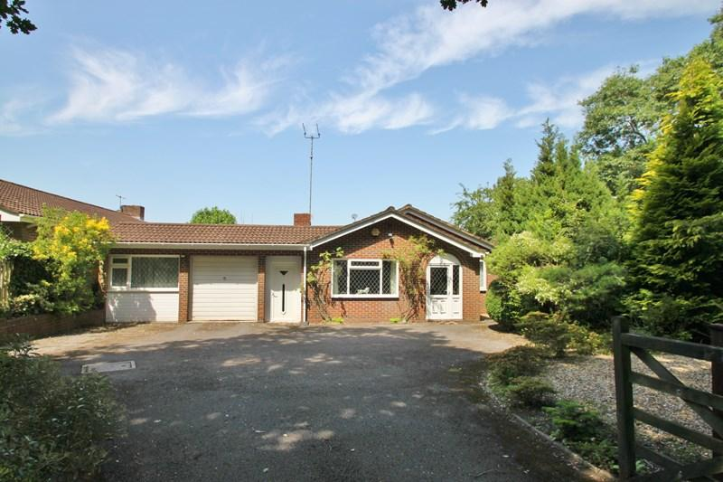 3 Bedrooms Detached Bungalow for sale in Church Hill, Verwood