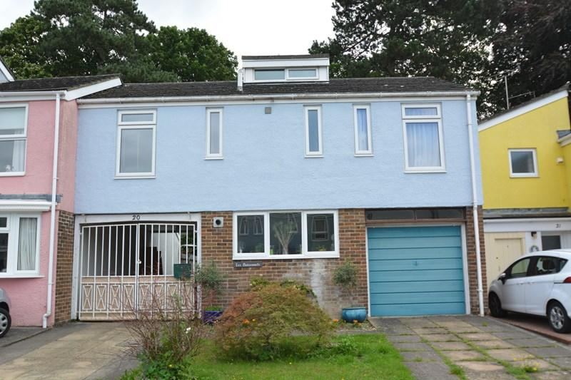 3 Bedrooms Terraced House for sale in Winterdyne Mews, Andover
