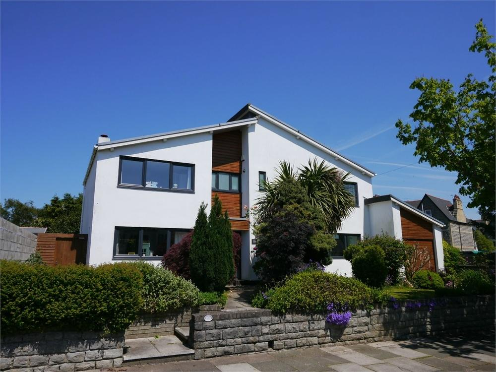 4 Bedrooms Detached House for sale in Archer Road, Penarth
