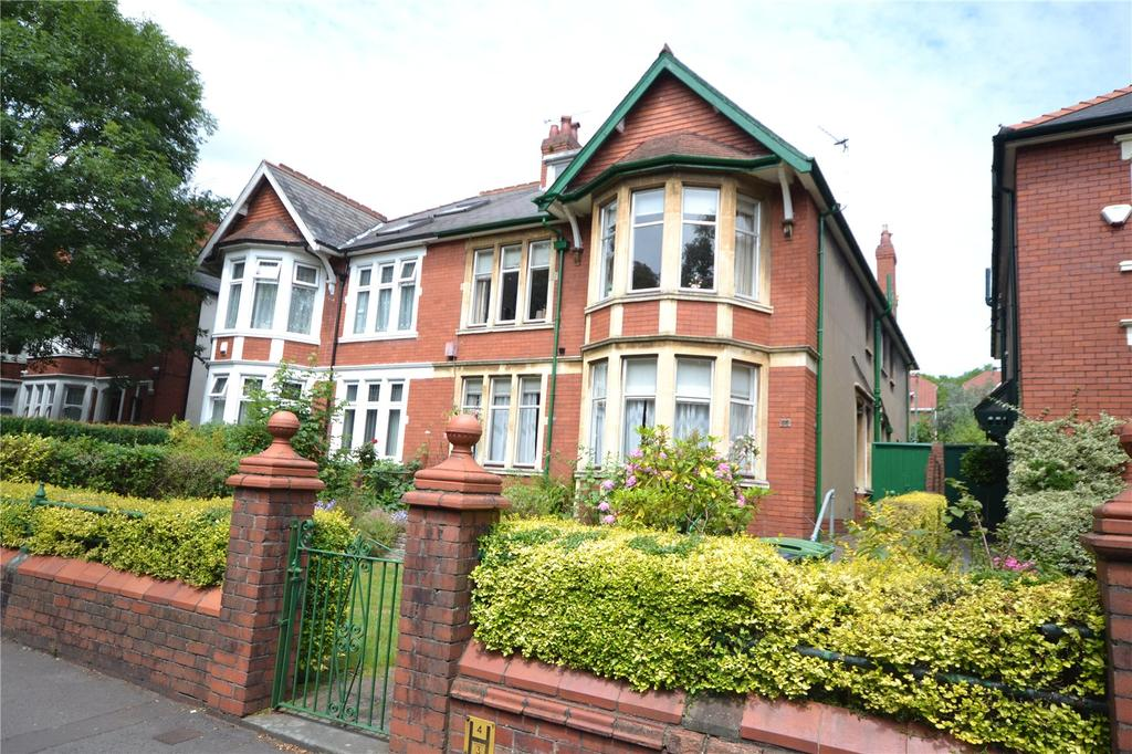 4 Bedrooms Semi Detached House for sale in Ty Draw Road, Penylan, Cardiff, CF23