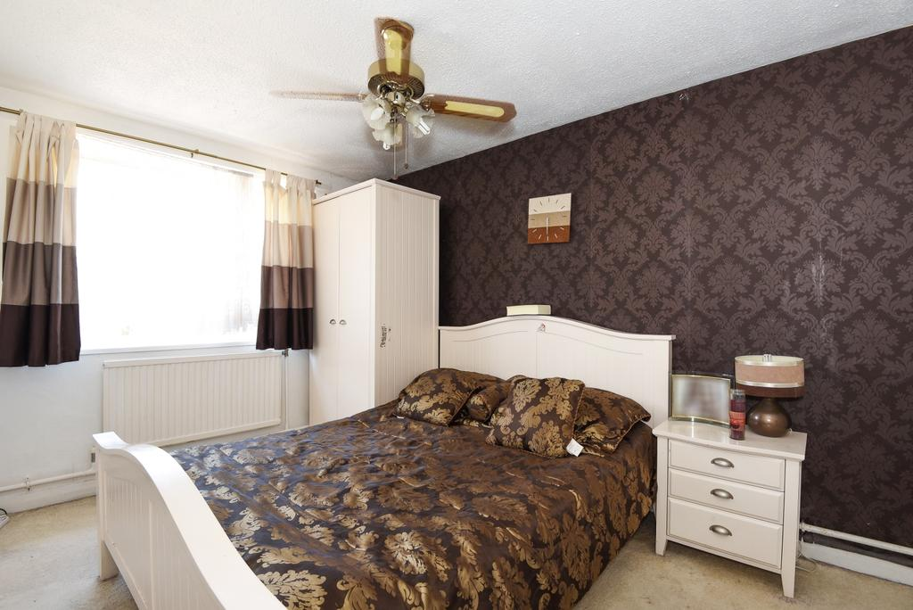 2 Bedrooms Maisonette Flat for sale in Sedgmoor Place Camberwell SE5