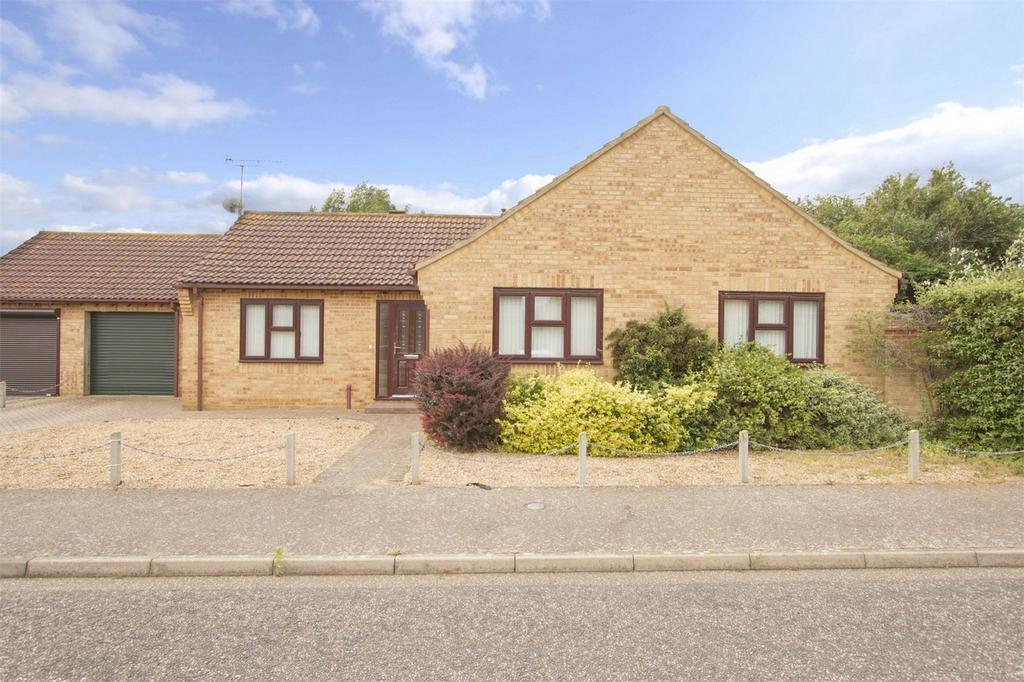 3 Bedrooms Detached Bungalow for sale in Brewsters, East Harling, Norfolk