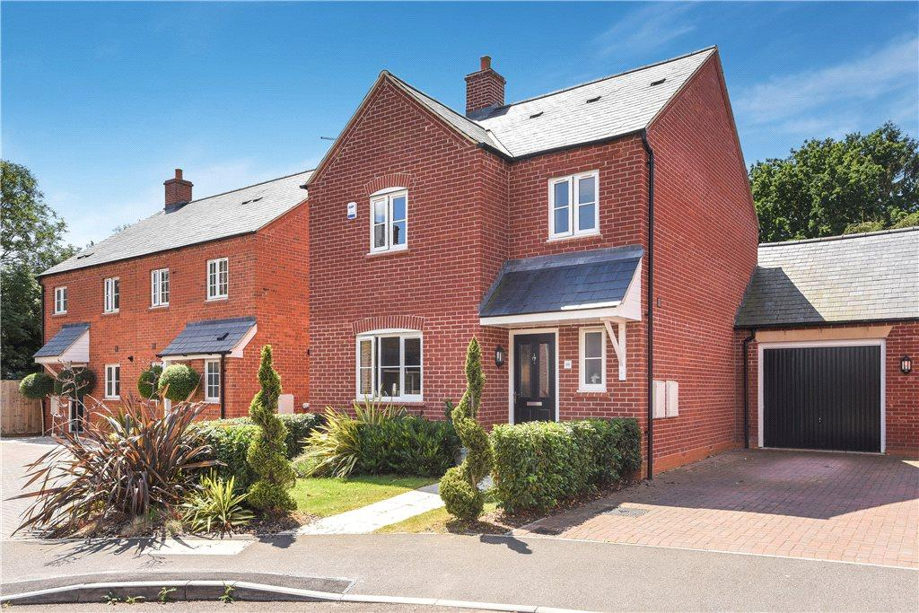 3 Bedrooms House for sale in Peace Hill, Bugbrooke, Northampton, Northamptonshire