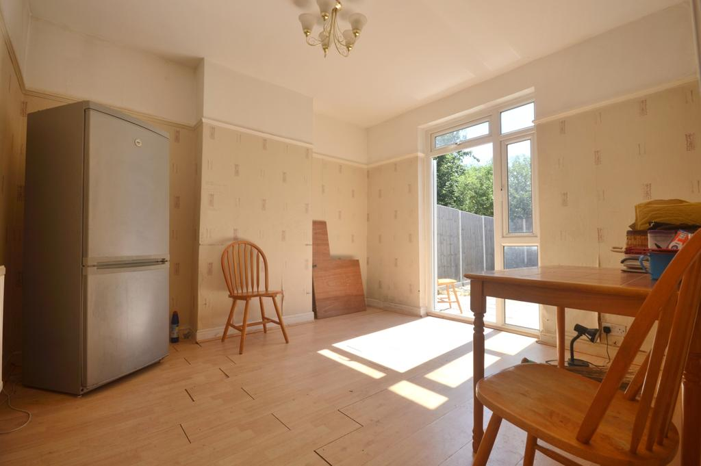3 Bedrooms Terraced House for sale in Streatham Vale London SW16