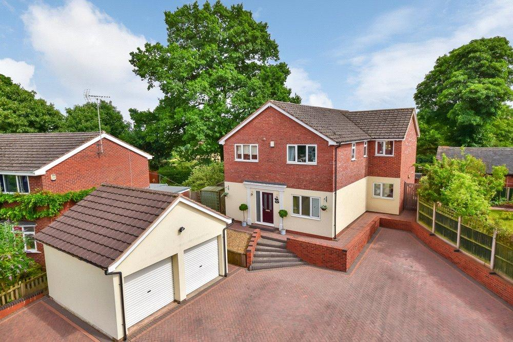 4 Bedrooms Detached House for sale in Rugeley, Staffordshire