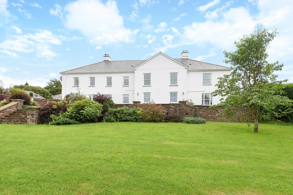 5 Bedrooms Detached House for sale in Muddiford, Barnstaple