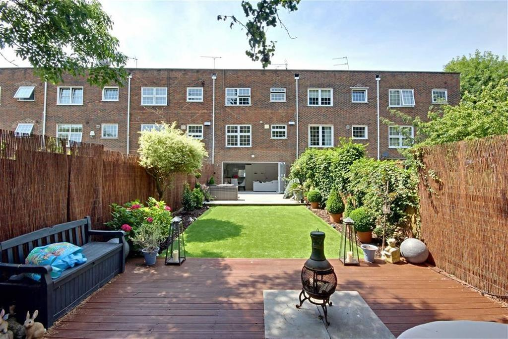 3 Bedrooms House for sale in Cavendish Crescent, Elstree, Hertfordshire