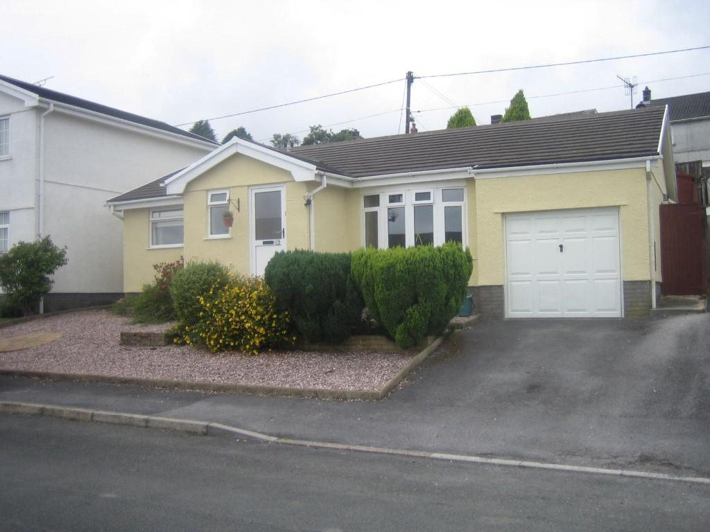 3 Bedrooms Bungalow for sale in Erw Non, Llannon