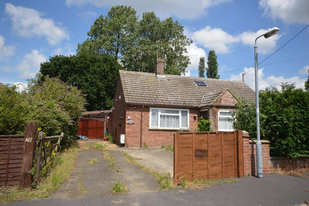 2 Bedrooms Detached Bungalow for sale in Westland Chase, West Winch