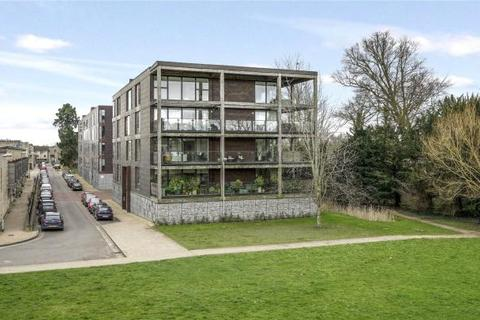 2 bedroom apartment to rent - The Glass Building, Kingfisher Way, Cambridge